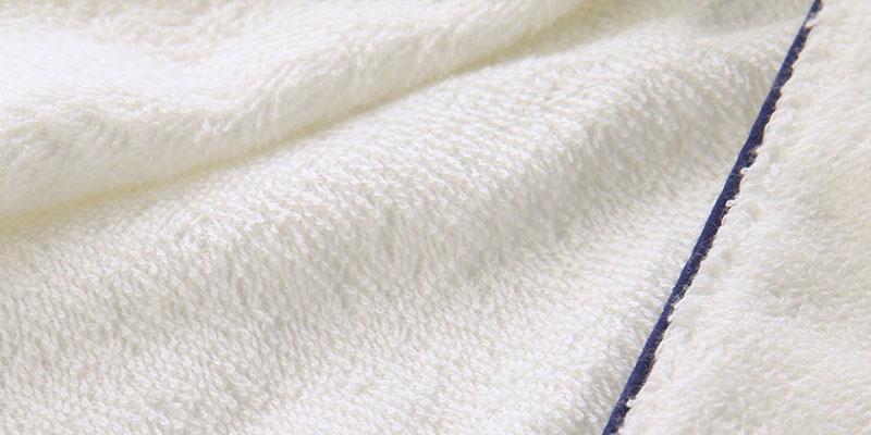 綿100%パイルのタオル生地を使用したバスローブ