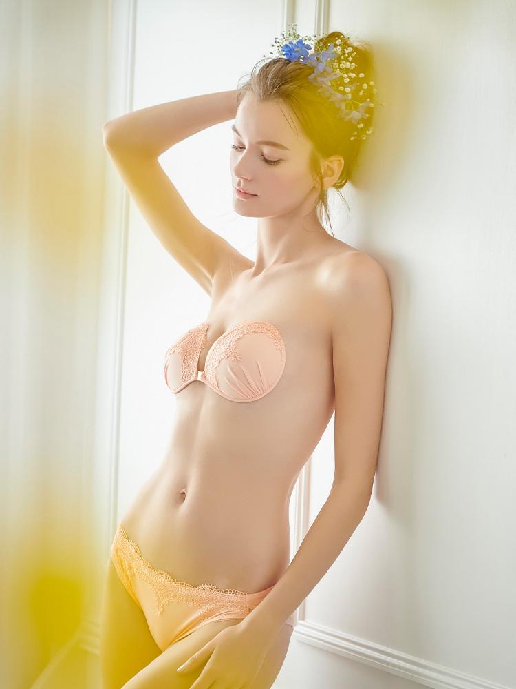 ヌーブラ・エアーライト カリーナ ピーチ