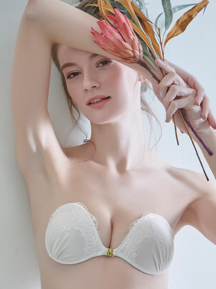 ヌーブラ・エアーライト カリーナ ホワイト